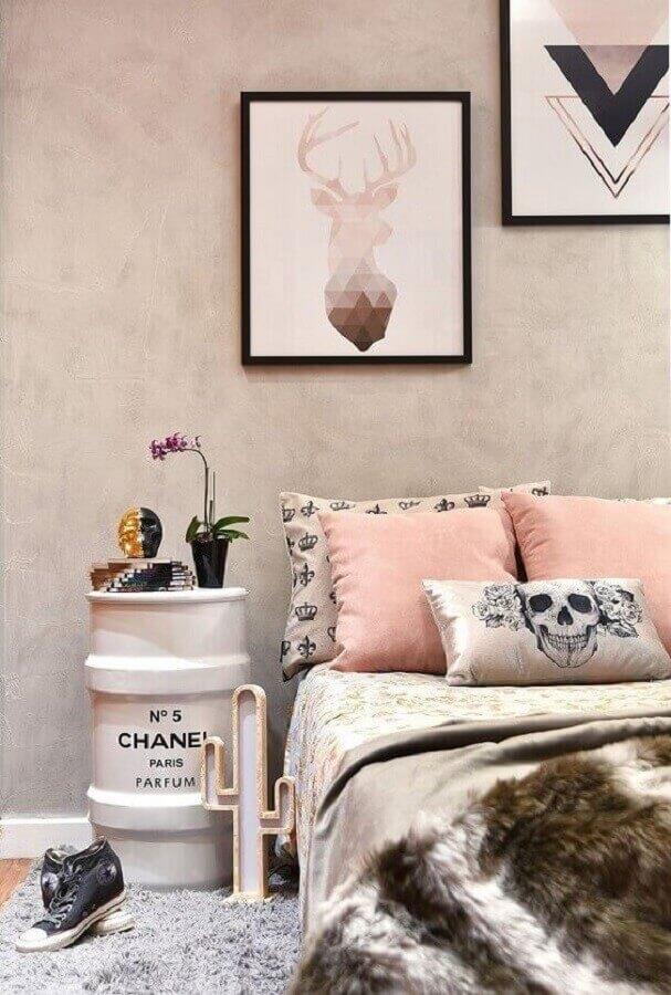 parede de cimento queimado decorada com quadros para quarto feminino Tumblr Foto Pinterest