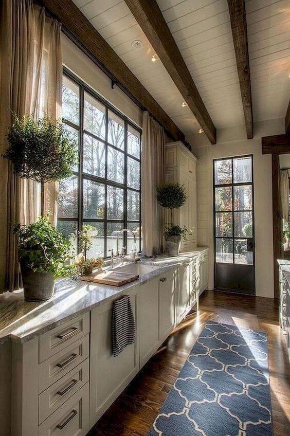 Decore sua cozinha com a passadeira azul