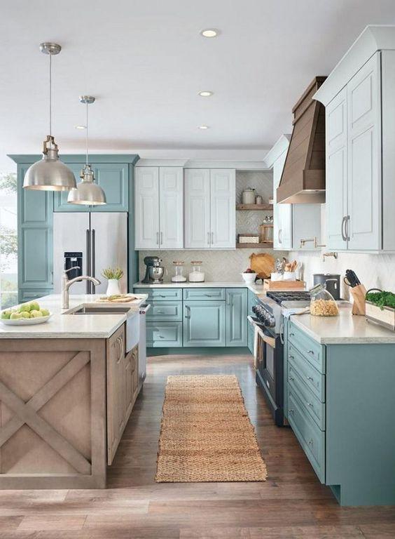 Cozinha moderna com passadeira estampada