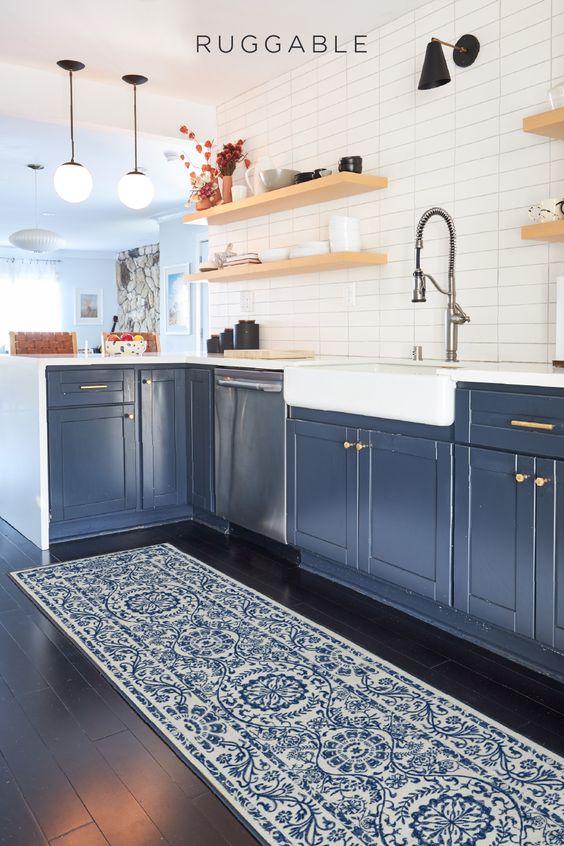 Passadeira azul para cozinha