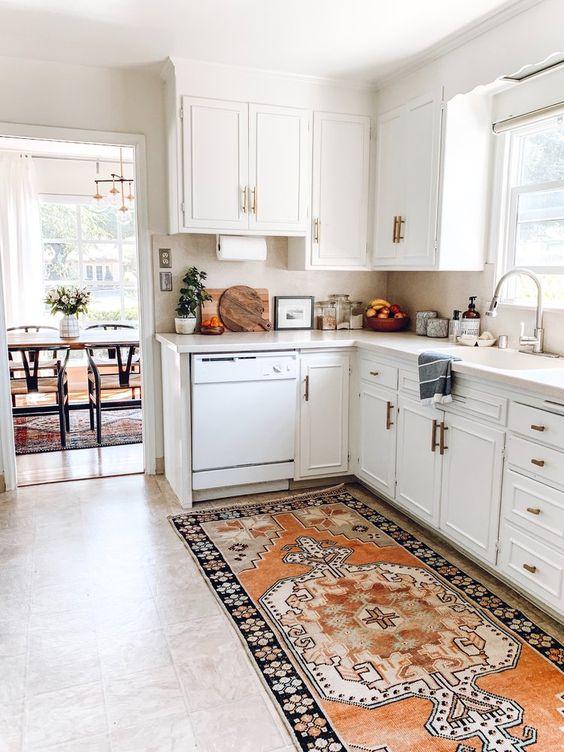 Passadeira para cozinha branca moderna