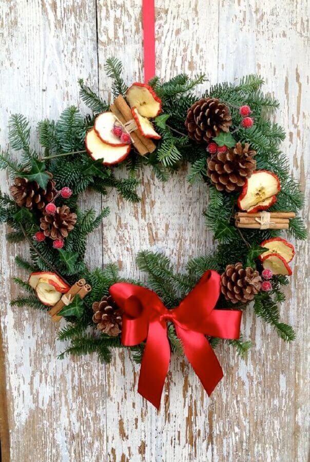 pinha de Natal para decoração de guirlanda clássica  Foto Christmas Glitter