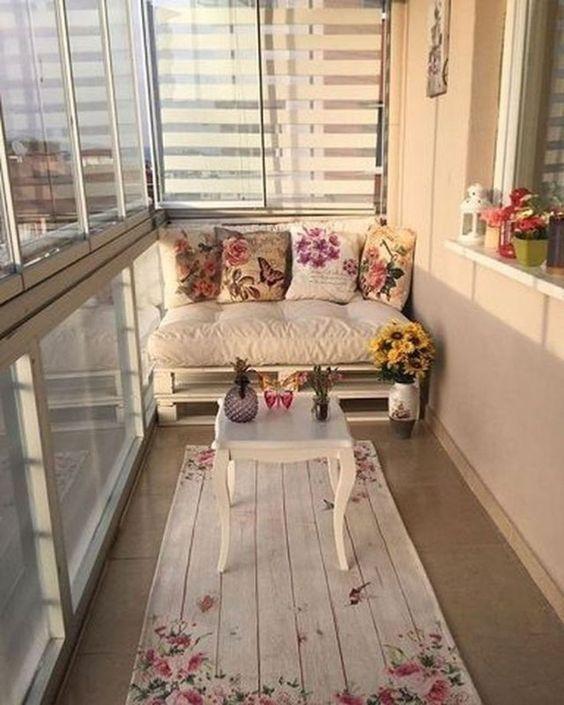 Poltrona de pallet branca para varanda de casa
