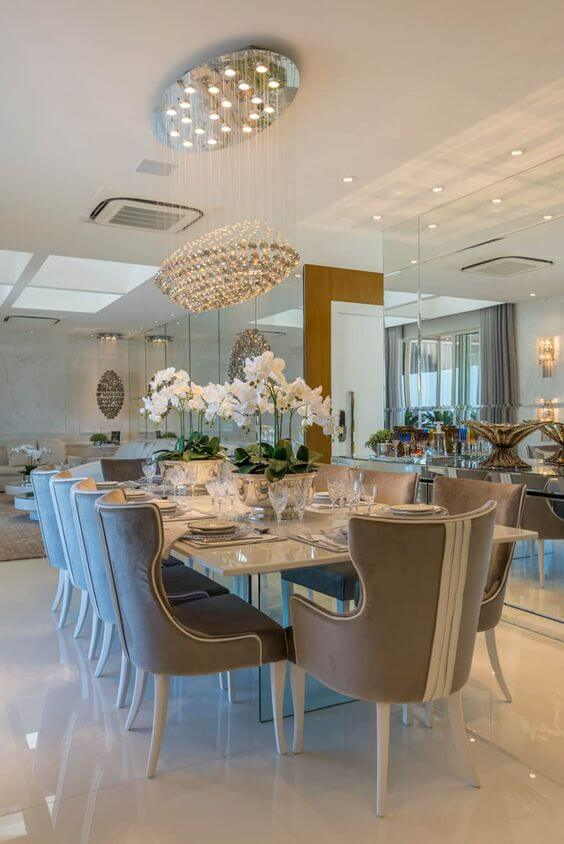 Poltrona para mesa de jantar cinza e branca