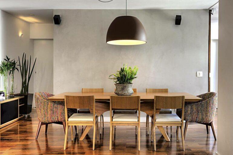 Poltrona para mesa de jantar colorida - Via: Pinterest