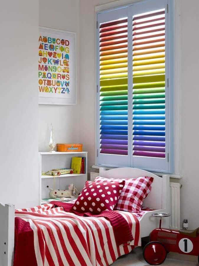 quadros para quarto infantil feminino branco com detalhes coloridos  Foto Decoist