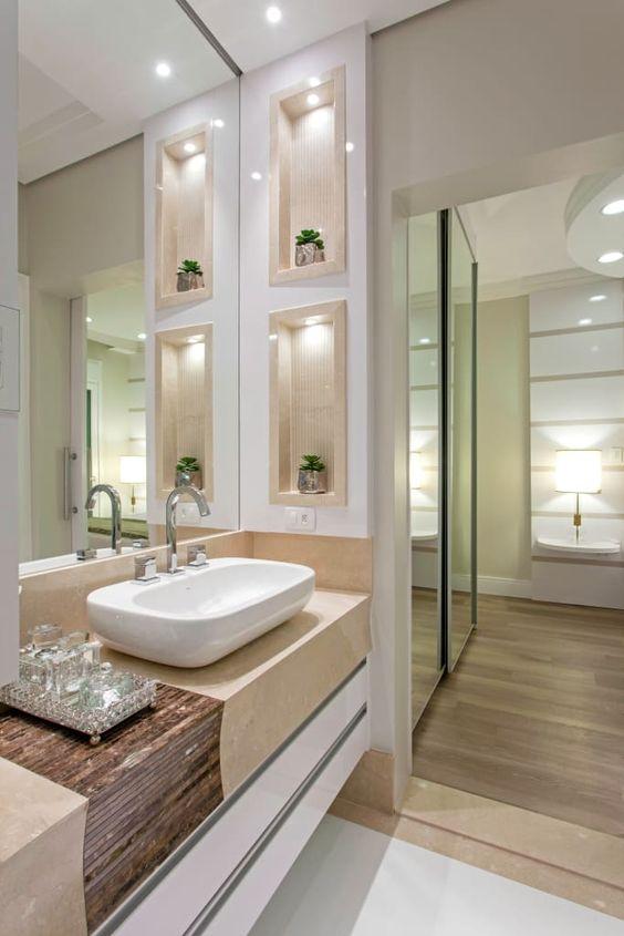 Quarto com banheiro e closet