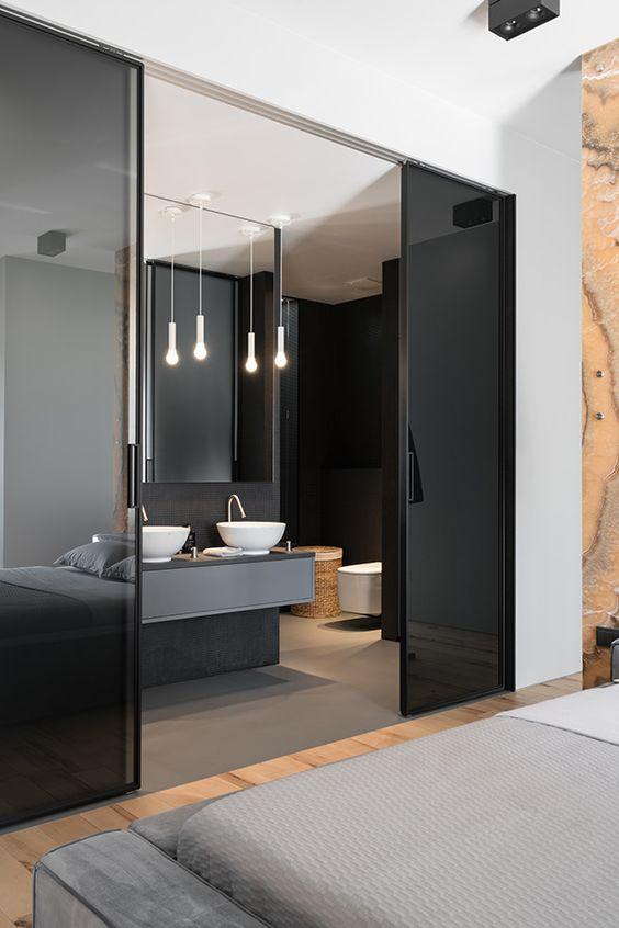 Quarto com banheiro moderno