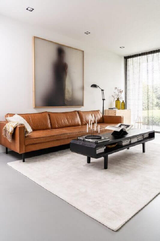 sala minimalista moderna decorada com sofá marrom Foto Futurist Architecture[
