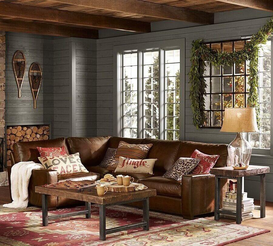 sofá de canto marrom escuro para decoração de sala rústica Foto Pinterest