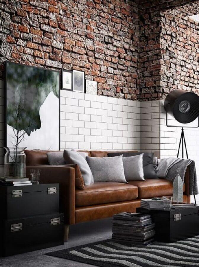sofá marrom para decoração de sala com parede de tijolinho rústica Foto Home Stratosphere