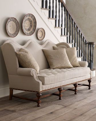Sofá antigo branco
