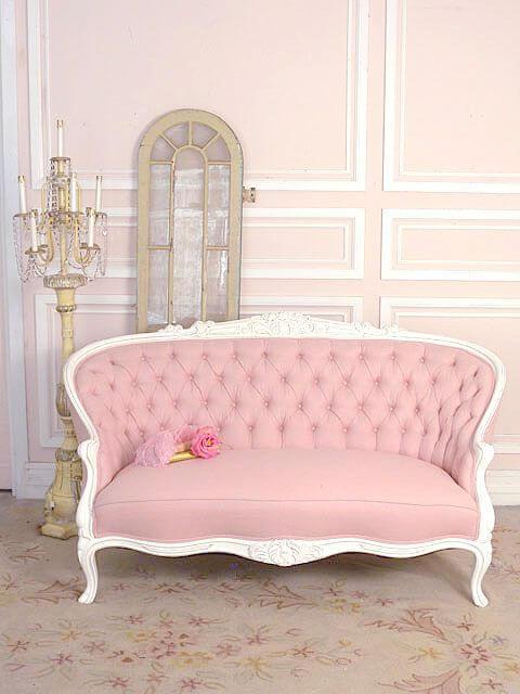 Sofa antigo rosa e branco