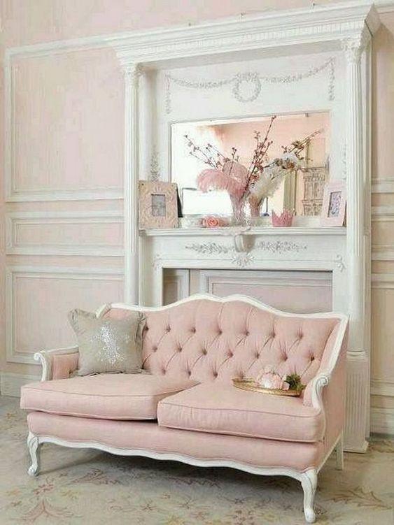 Sofá rosa antigo e branco