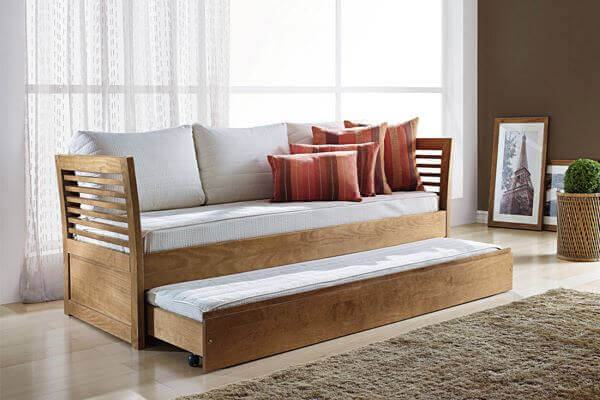 Sofá cama antigo de madeira