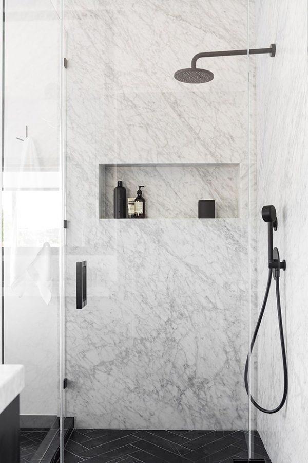 Conheça os tipos de mármore para usar no banheiro