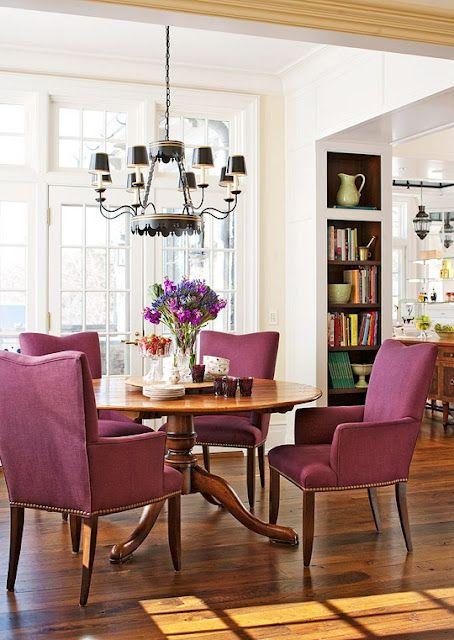 Sala de jantar roxa