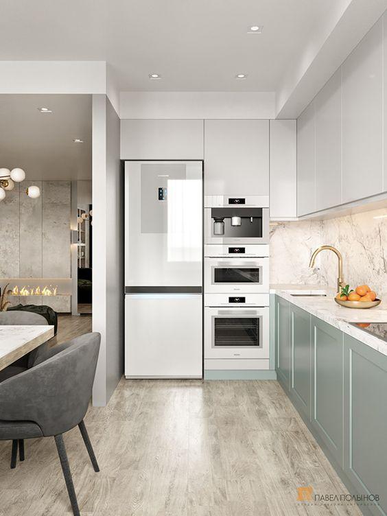Torre quente braca na decoração de cozinha branca e verde