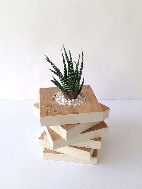 Vaso de madeira para lembrancinhas