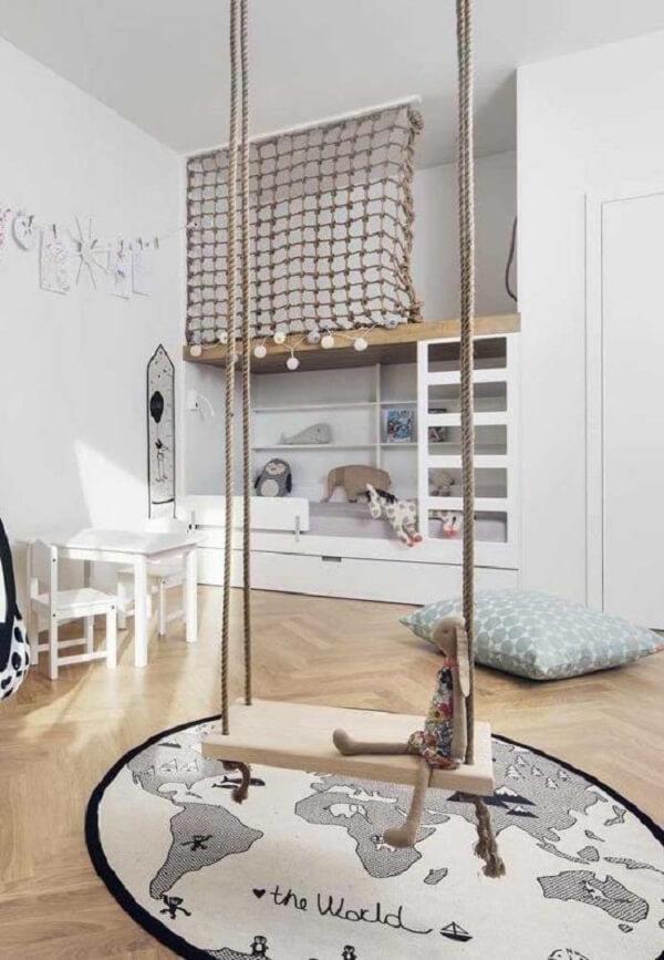 É possível percorrer o mundo todo na presença desse tapete para quarto infantil