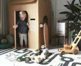 A brincadeira fica muita mais divertida na presença de uma tapete infantil para quarto estampado com ruas