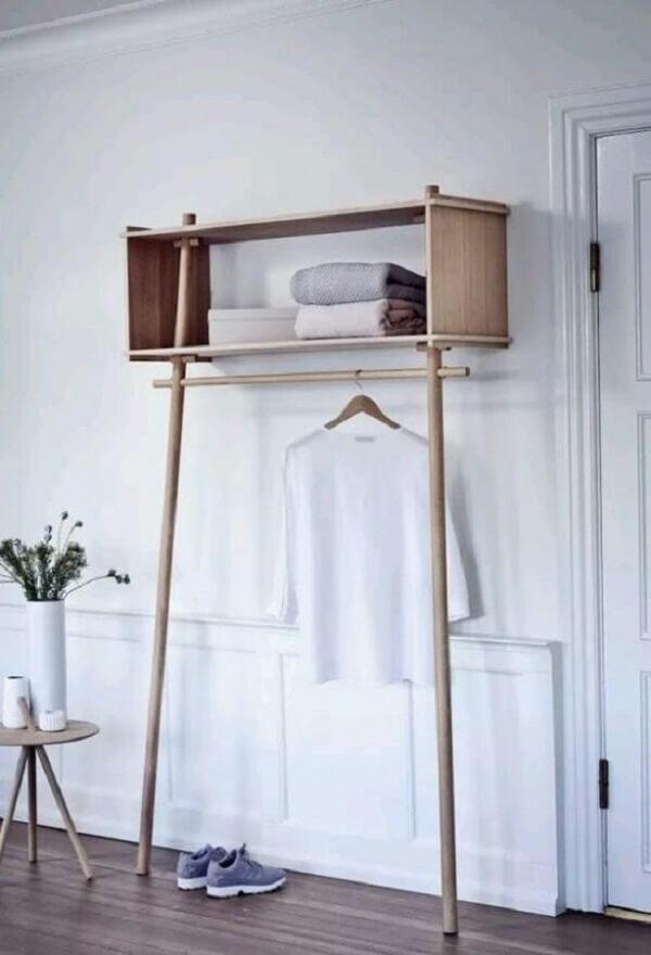 Arara cabideiro de madeira para quarto com nicho superior
