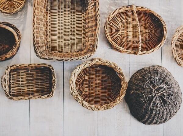 As cestas também funcionam como um objeto versátil e são ótimos elementos artesanais