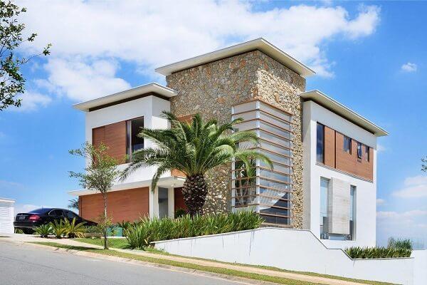 As pedras para muros de casas trazem estilo e personalidade para a residência