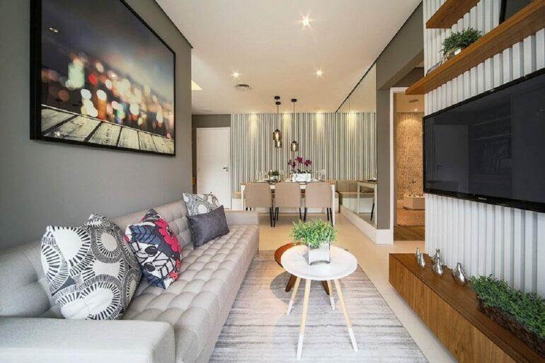 Escolha com cautela as mesas de centra da sala do apartamento com espaço reduzido