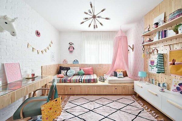 Escolha um modelo de tapete para quarto infantil que combine com a decoração