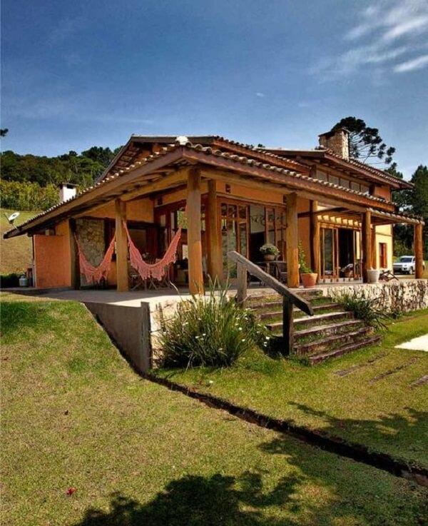 Grande parte das casas de campo com varandas são térreas