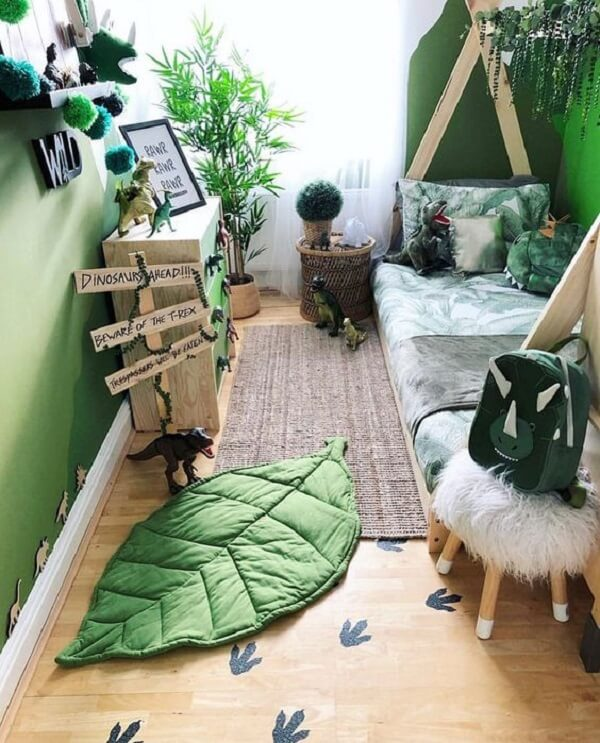 O tapete para quarto infantil em folha se encaixa perfeitamente na temática da decoração