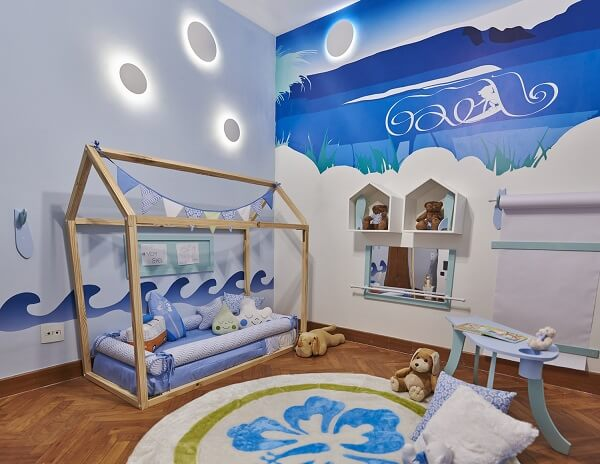 O tapete para quarto infantil respeita a proposta de temática do ambient