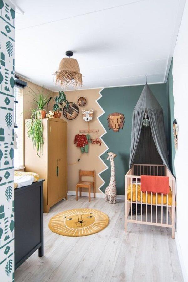 O tapete redondo para quarto infantil segue a mesma temática do dormitório