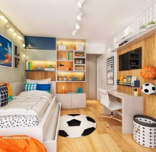 Para os amantes de futebol que tal escolher um tapete para quarto masculino em formato de bol