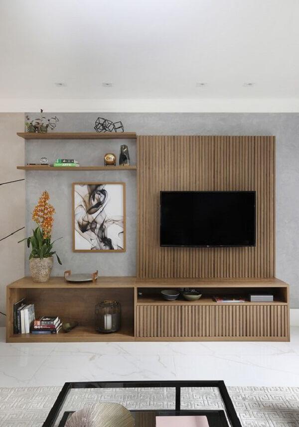 Rack com painel ripado para a sala de estar