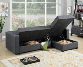 Sapatos, roupas de cama e livros podem ser guardados dentro do sofá baú