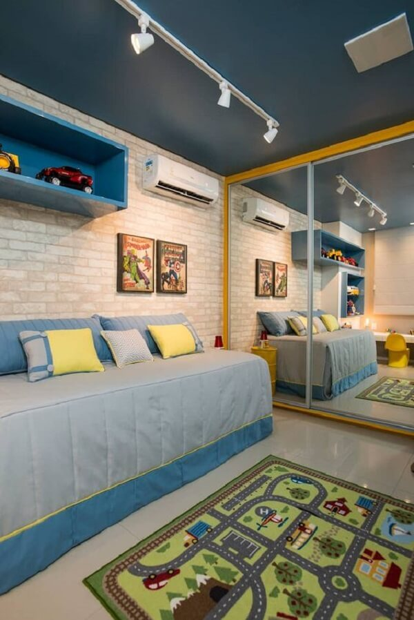 Uma verdadeira cidade é retratada no tapete para quarto infantil