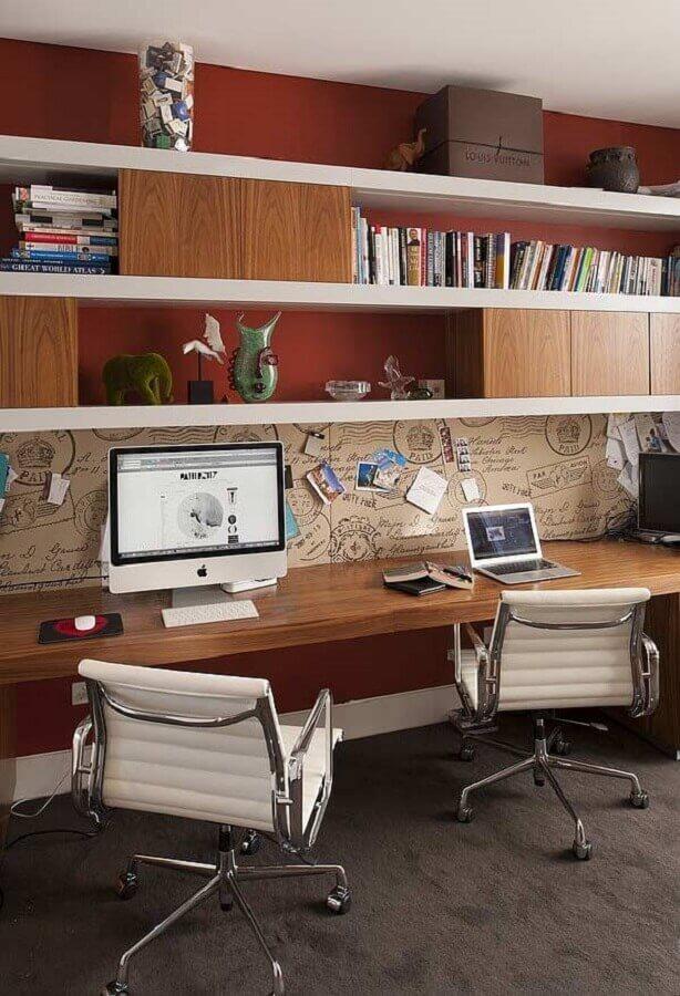 cadeira confortável para home office planejado Foto Home and Interiors