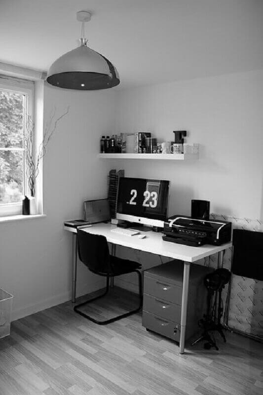 cadeira para home office decorado em tons de cinza  Foto Jeito de Casa