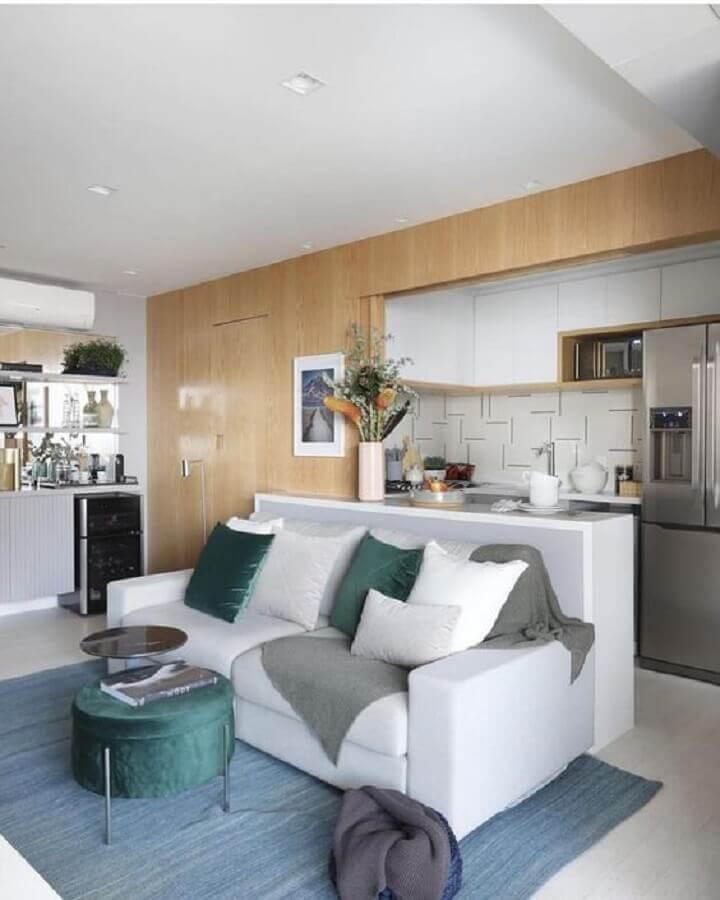 cores neutras para decoração de sala e cozinha integrada pequena Foto TOK Decora