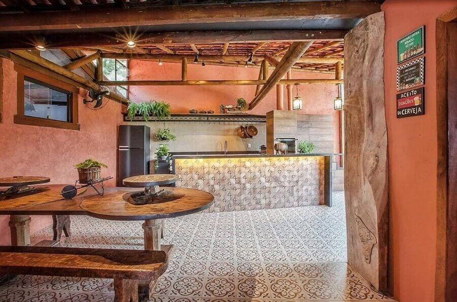 decoração de cozinha externa rústica grande Foto Debora Marani
