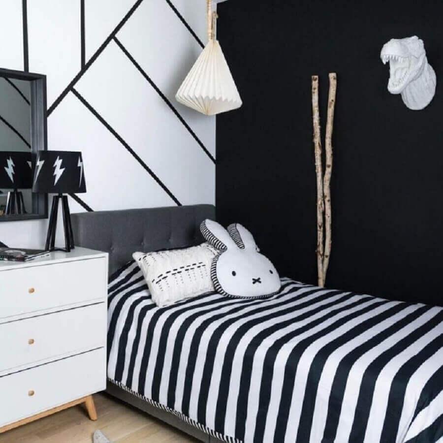 Decoração de quarto preto e branco com cabeceira estofada Foto Pinterest