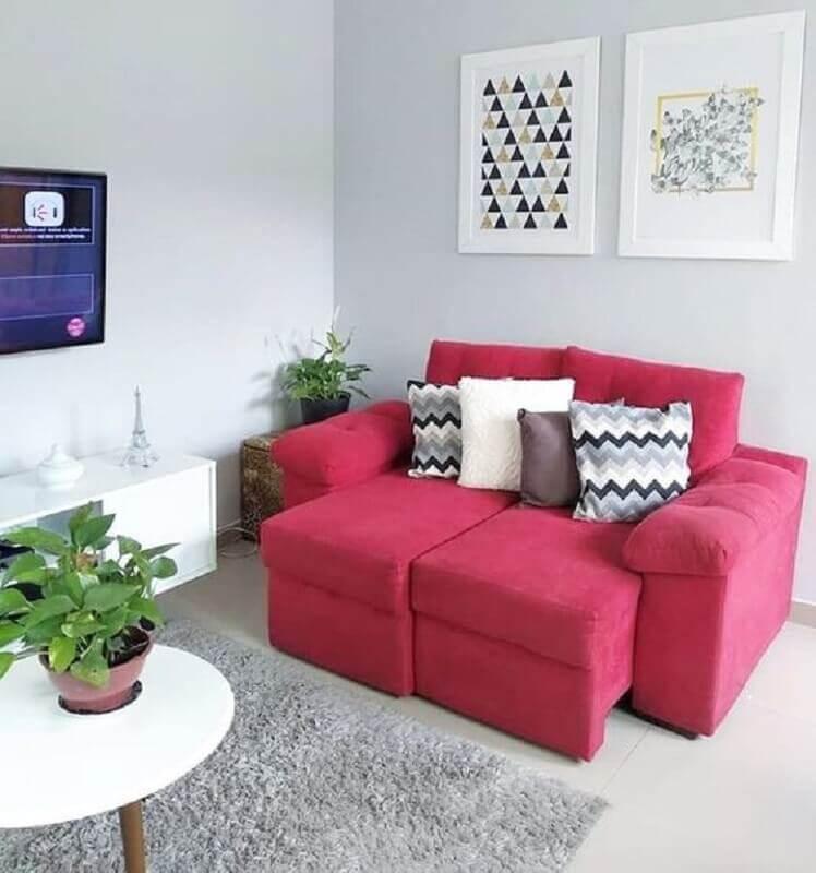 decoração de sala simples com sofá retrátil pequeno cor de rosa Foto Pinterest