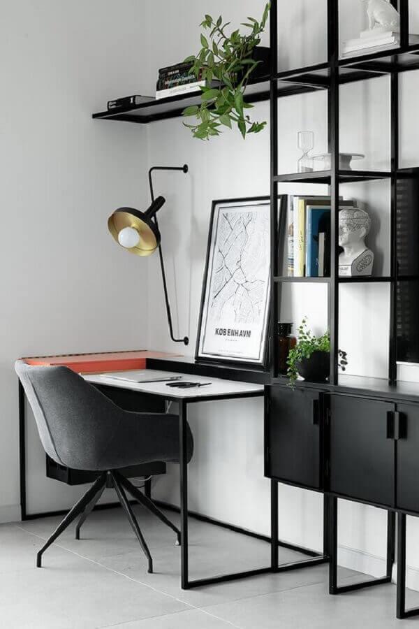 decoração em preto e branco para home office minimalista Foto PUFIK Interiors & Inspirations