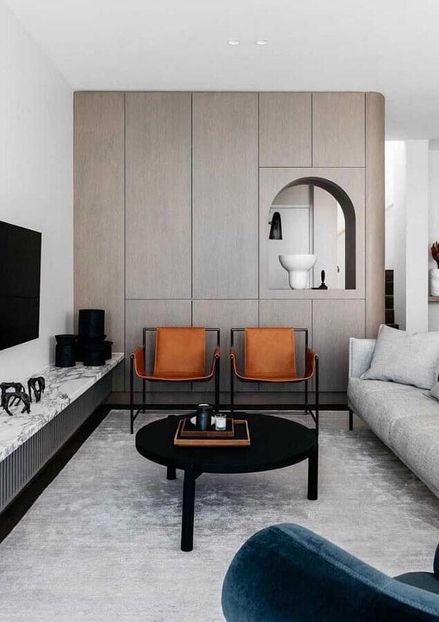 decoração em tons neutros com poltronas modernas para sala de estar Foto Archilovers