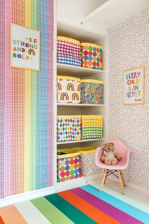 decoração infantil com papel de parede delicado e colorido Foto Pinterest