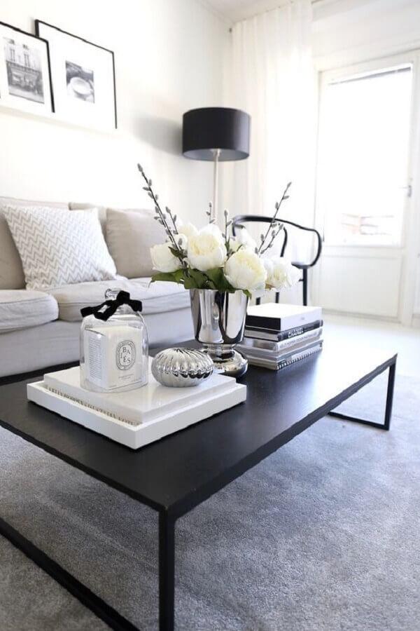 decoração minimalista para sala com mesa de centro preta Foto Dicas Decoração