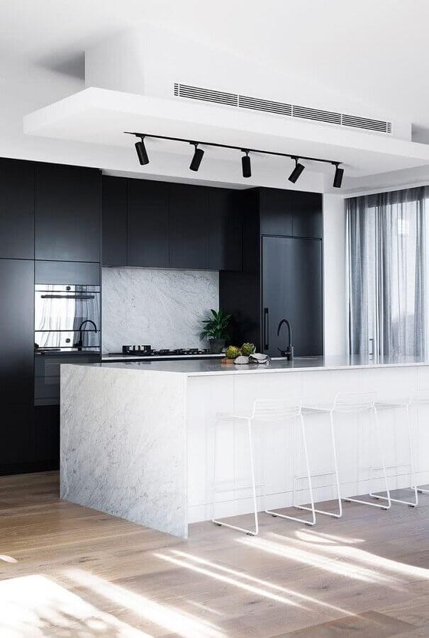 decoração preto e branco para cozinha grande com ilha moderna Foto Behance