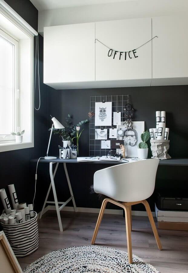 decoração preto e branco para home office Foto Lolafá